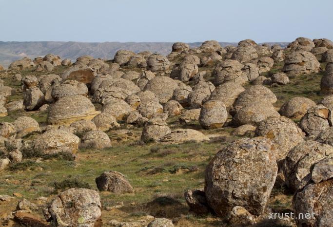 Загадочные гигантские  шары Мангыстау